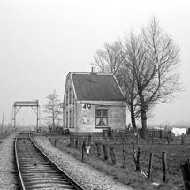 RA93-22 Vinkeveen-Oukooperdijk 31-3-1960 Km 18,8 Ophaalbrug Veldwetering, woning 49A,B. Ri. O